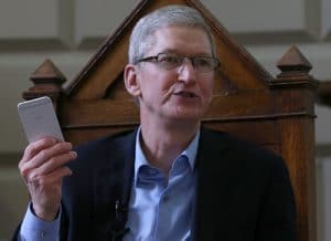 tim cook leadership style