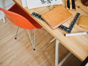 desk-for-project-management