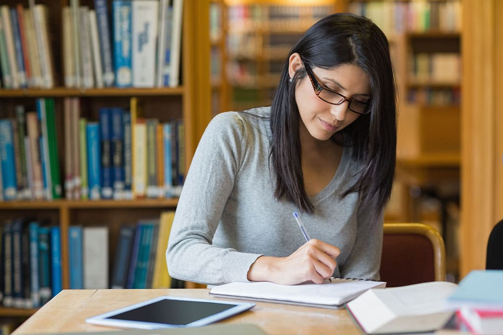 5 Tips for Starting a Career with a Holistic Medicine Degree
